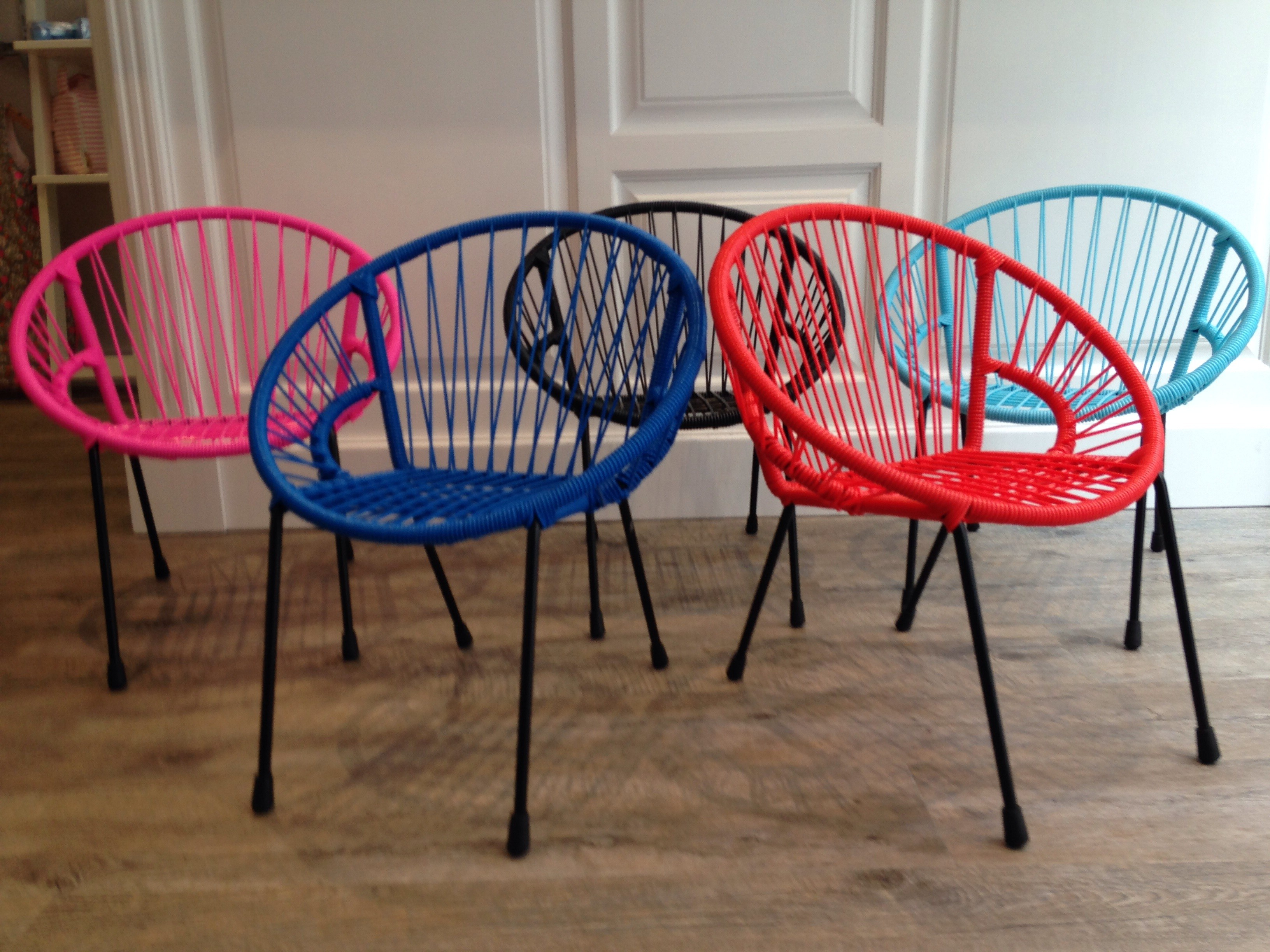 chaises Tica 1